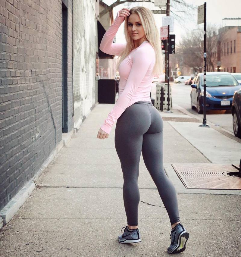 Beautiful blonde in yoga pants Amy Brooke swallows large bat  1151002