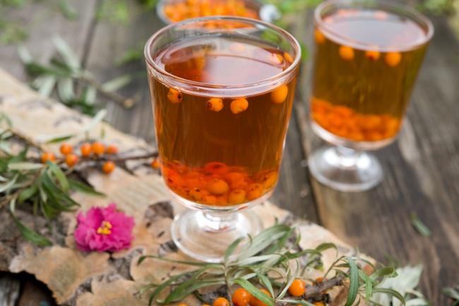 Облепиховое вино Ингредиенты : 9 кг облепихи 3 кг сахара 3 л воды Способ приготовления: Немытые ягод