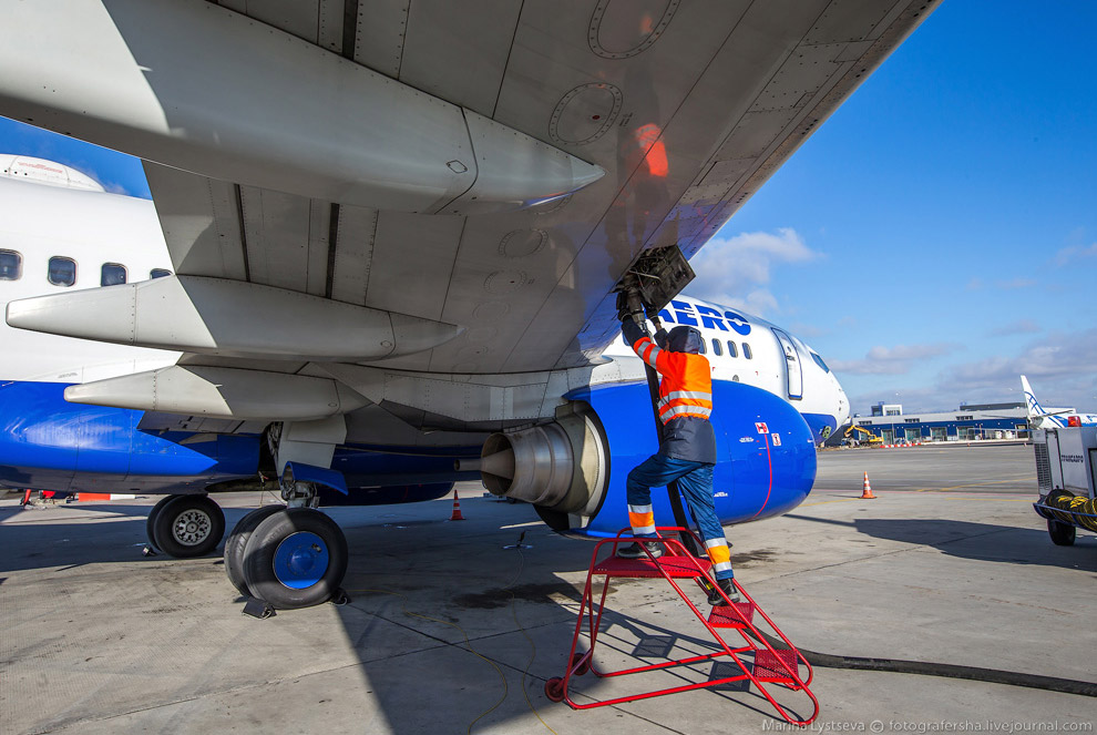 26. Что самое интересное — информация о том, сколько топлива в какой самолет залить, теперь про