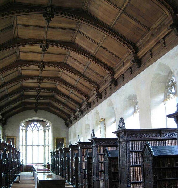 Библиотека колледжа св. Джона, Кембридж, Англия.