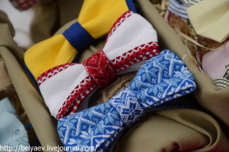 галстук-бабочки из национальной ткани