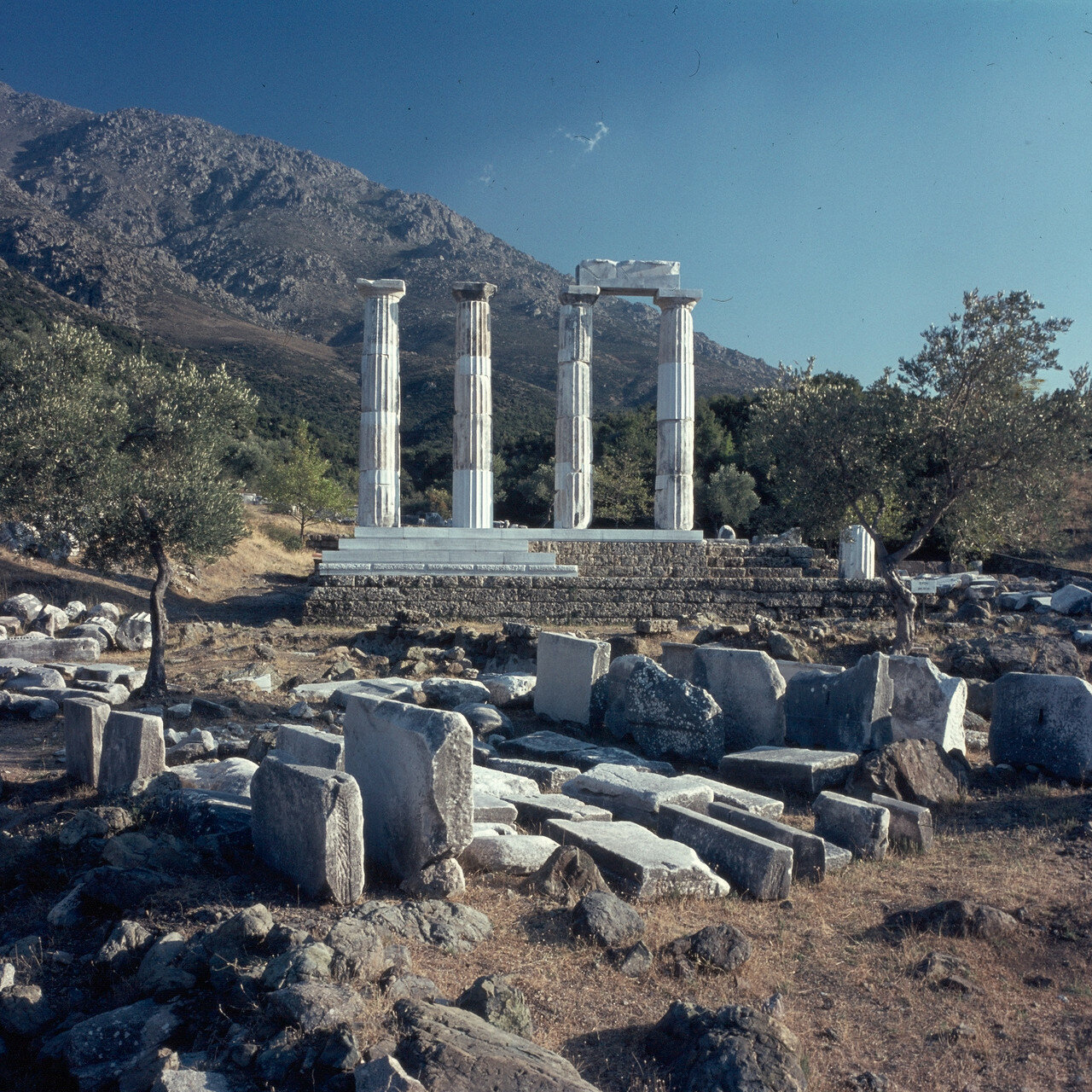 Самофракия. «Святилище великих богов». Теменос и мистеральный храм кабиров. 1964