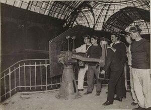 1914. Интересное место для установки пушки. Зал Большого Дворца. 10 октября