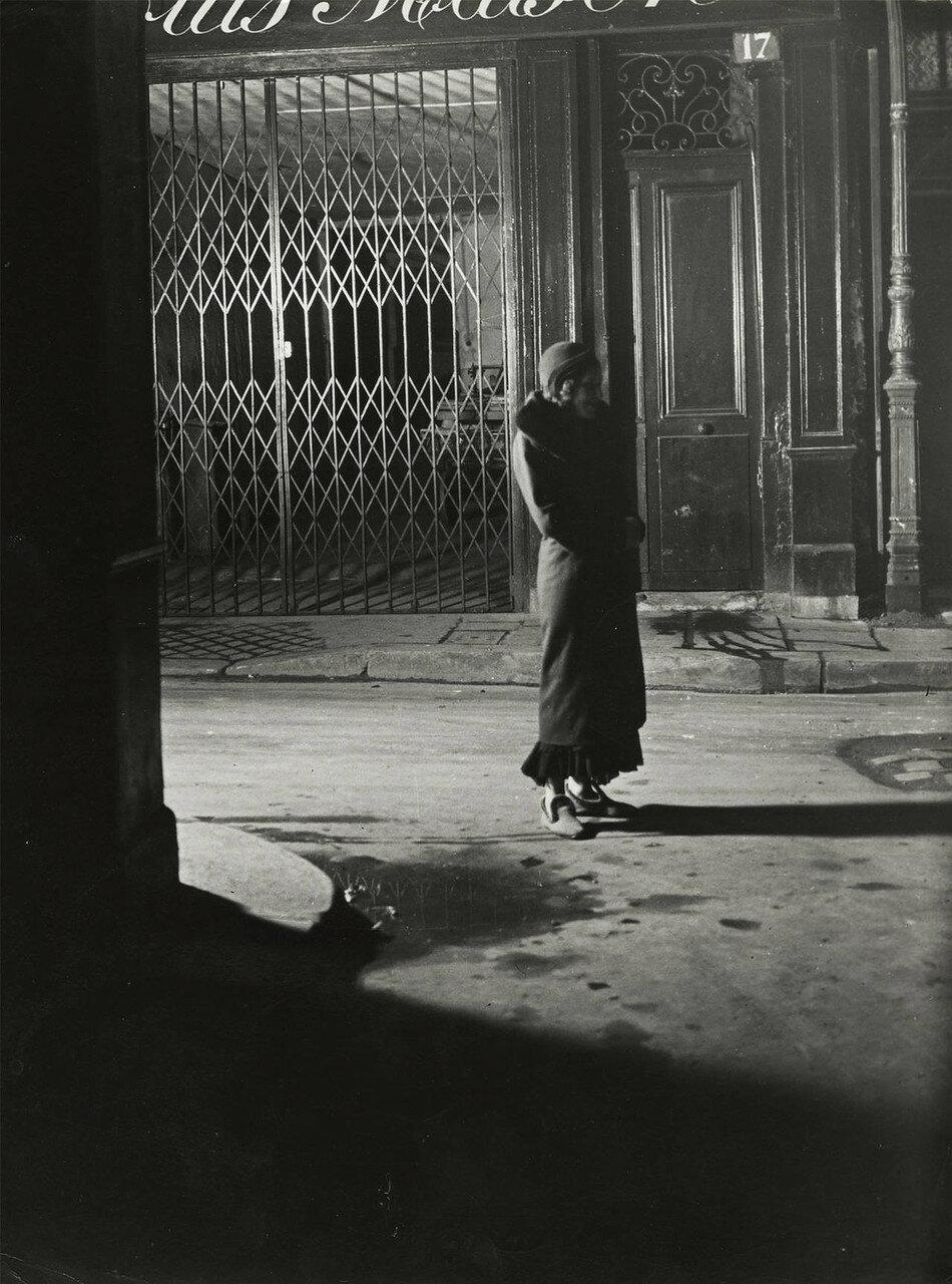 1932. Проститутка на рю Кенкампуа