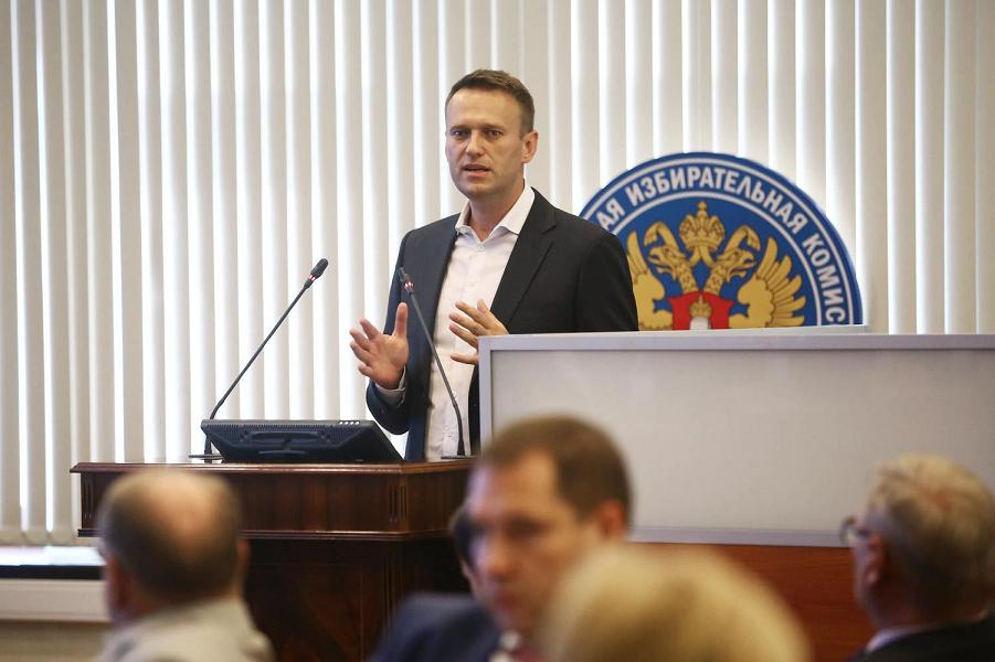 Навальный в ЦИКе.png