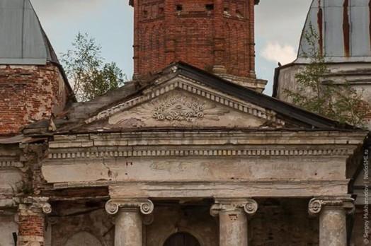 Прогулка по заброшенному храму Казанской иконы Божьей Матери в Яропольце 0 11e84b 17330bbe orig