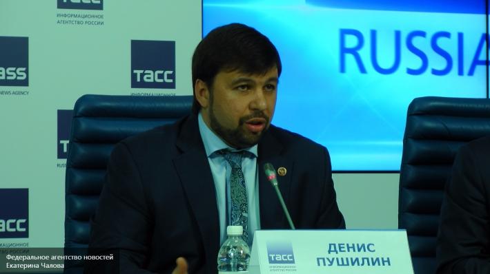 Порошенко сообщил, что ситуация в Донбассе станет основной темой его переговоров с Меркель и Олландом