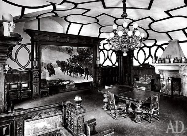 Угловая столовая в квартире К.Р. (фото 1903 года).