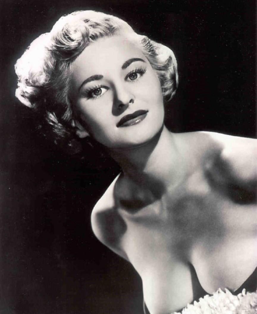 9. Январь 1955 года — Бетти Пейдж Эту «Королеву пин-апа» обожали все мужчины 50-х, в
