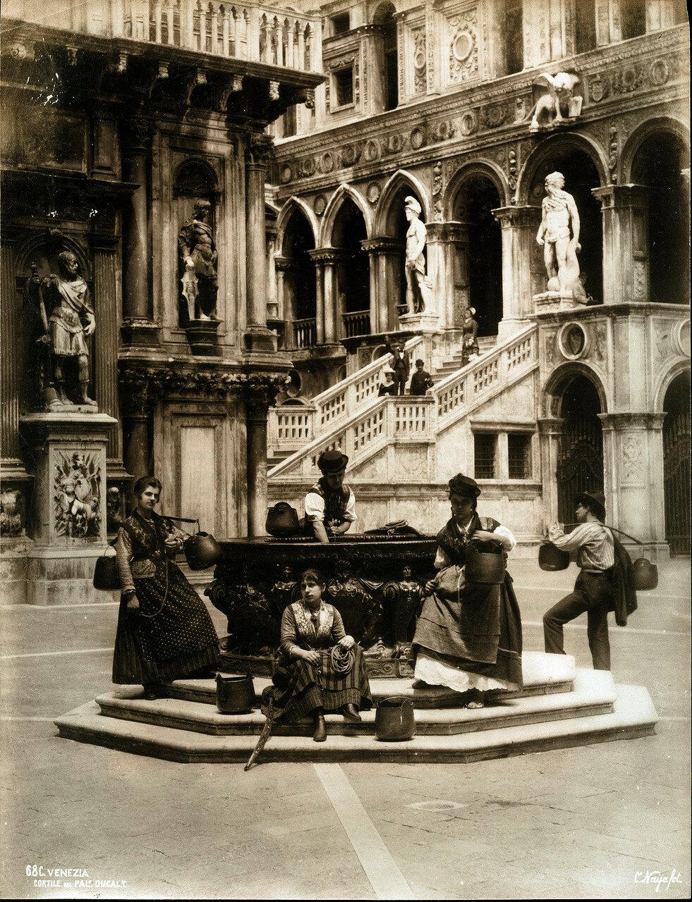Двор дворца Дожей. 1880