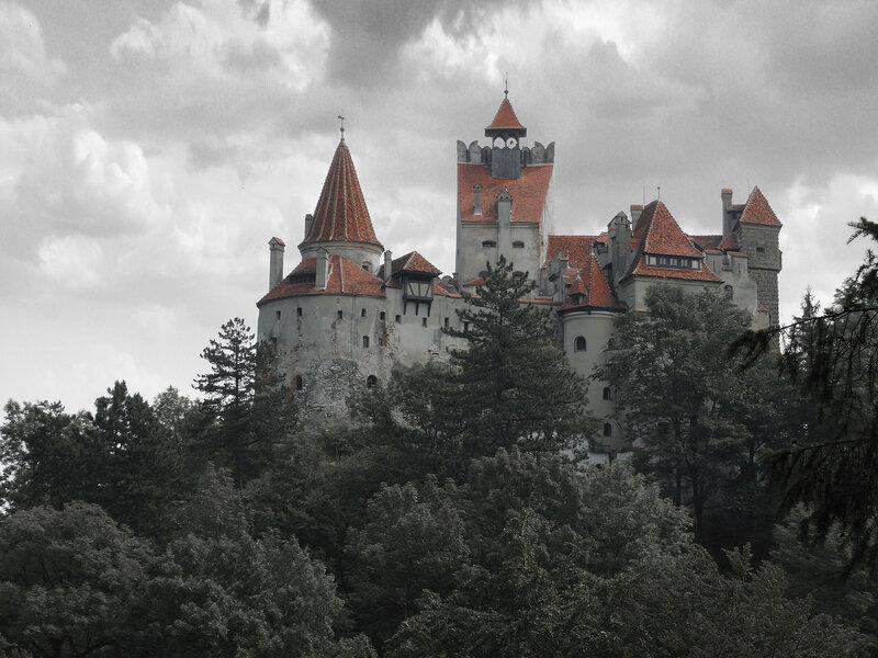 В первую очередь здесь рекомендуется отправиться в румынский город Сигишоара.
