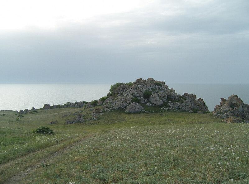 каменистый холмик
