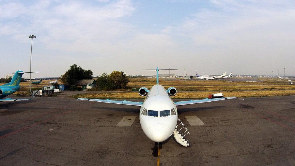 Fokker-100-2.jpg