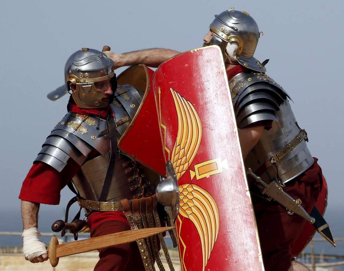 Легионеры армии Древнего Рима: Современный вариант попытки захвата острова Мальта (16)