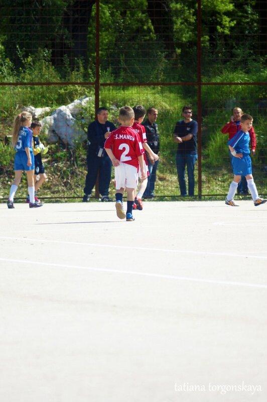 Детский футбольный матч