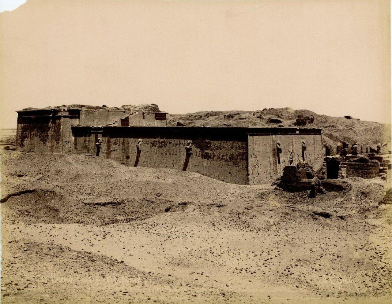 1890-е. Задняя сторона храма с расстояния