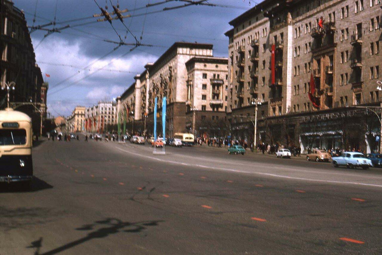 02. Уличная сцена