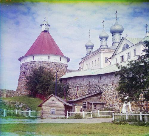 Соловецкий монастырь. Угловая башня Троицкого собора.