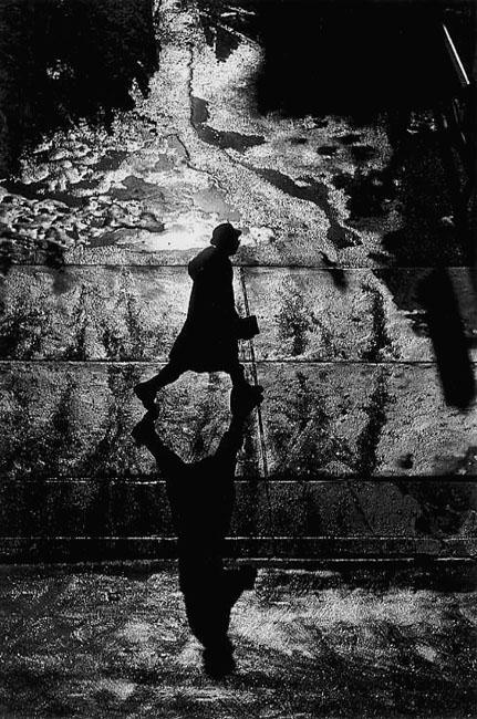 Light and shadow, Ray K. Metzker, RIP_500.jpg