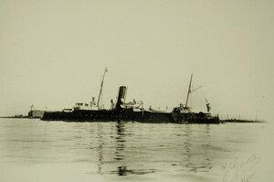 Вид канонерской лодки Грозящий