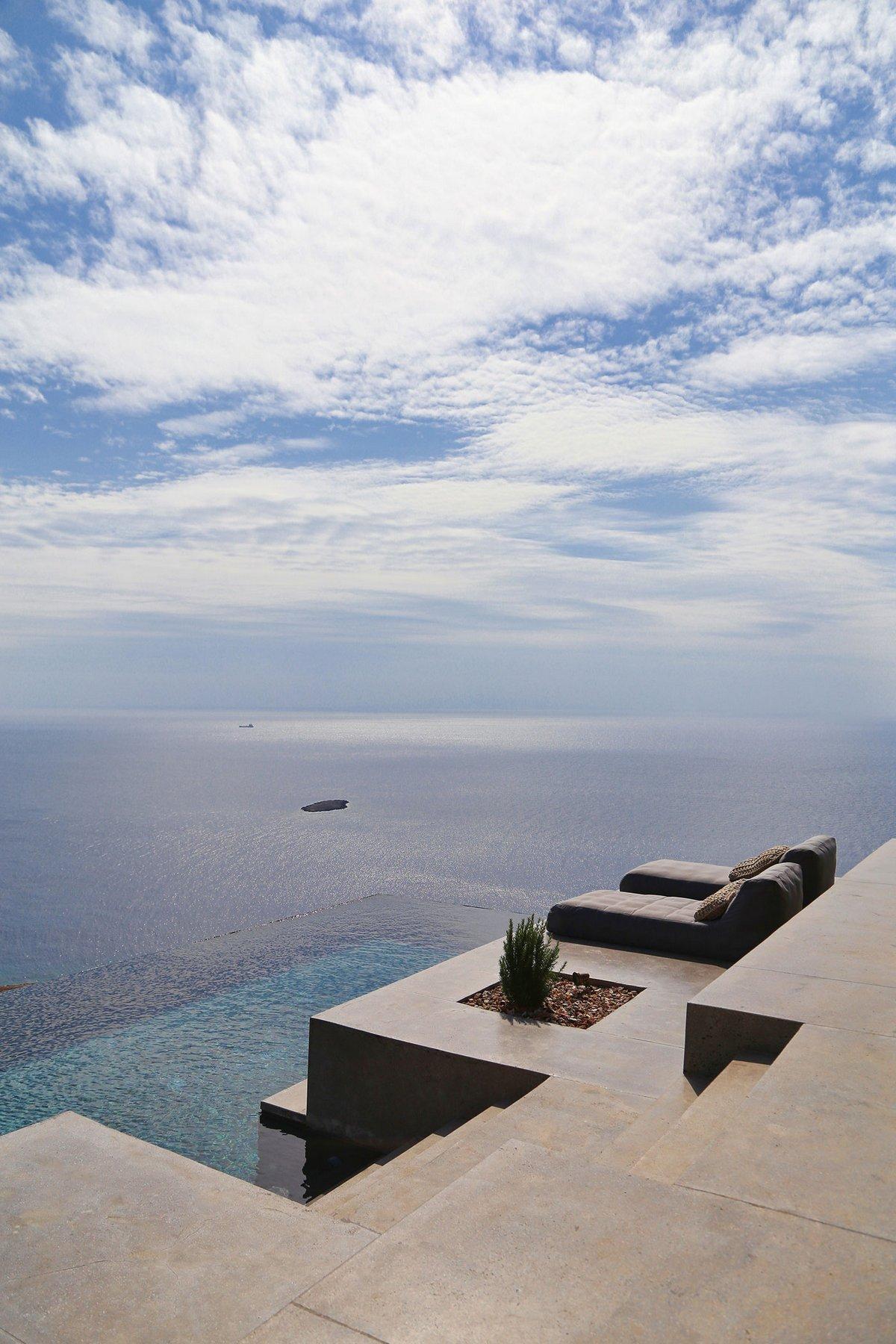 block722, резиденция на острове, особняк в Греции, дом на скале, дом с видом на море, дом на берегу Средиземного моря, резиденция с видом на море