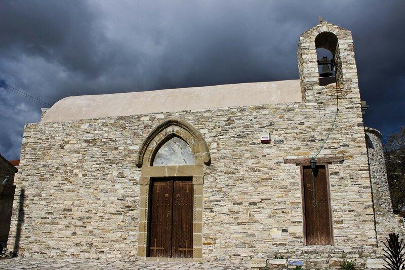 церковь в Като Дрис