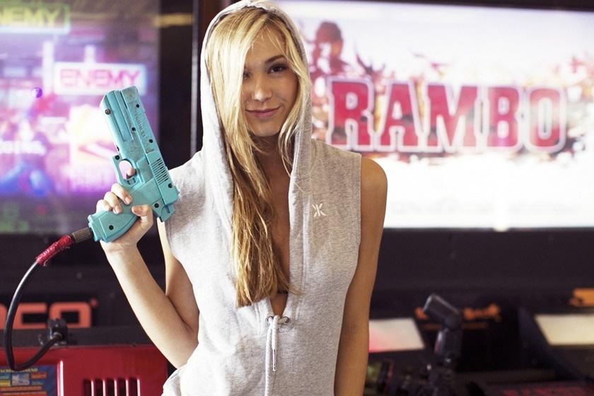 Красивые фотографии молодой модели Алексис Рен 0 142330 b87b81d orig