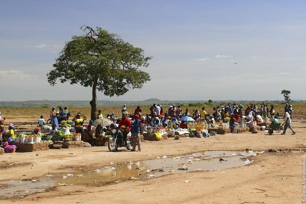 Ангола, по дороге от Лубанго до Бенгелы