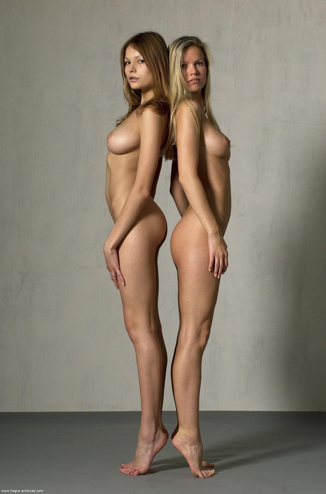 Decinque twins nude