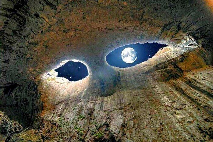 Болгария - Невероятная пещера Проходна (Глаза Бога)