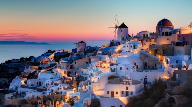ВГреции есть всё, что нужно туристу: триста солнечных дней вгоду, четыре моря и1400островов, дре