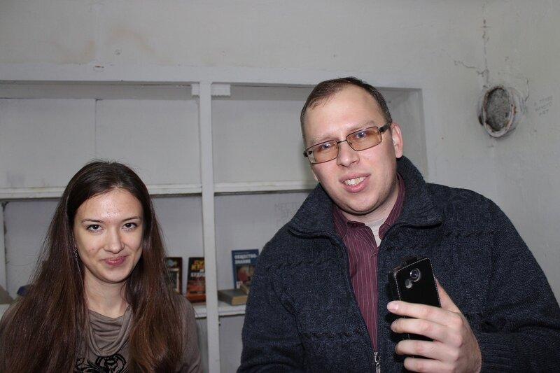 Скептически смотрим на попытки оживить фотоаппарат - Логово ББ - Побег из комнаты в Кирове