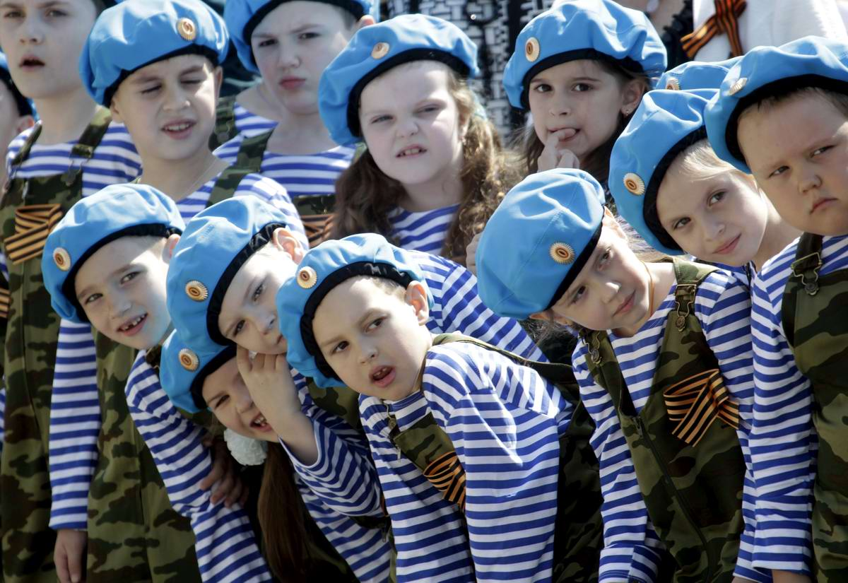 Между правдой и ложью: Про Парад детских войск в Ростове-на-Дону (20)