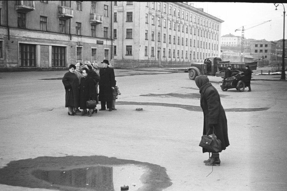 1950-е. Сцена на улице