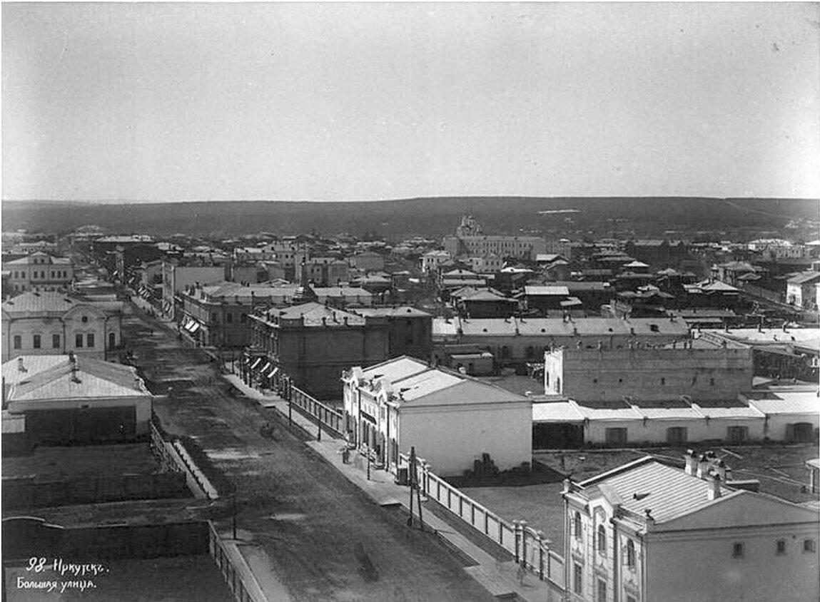 Панорама Большой улицы с Благовещенкой церкви