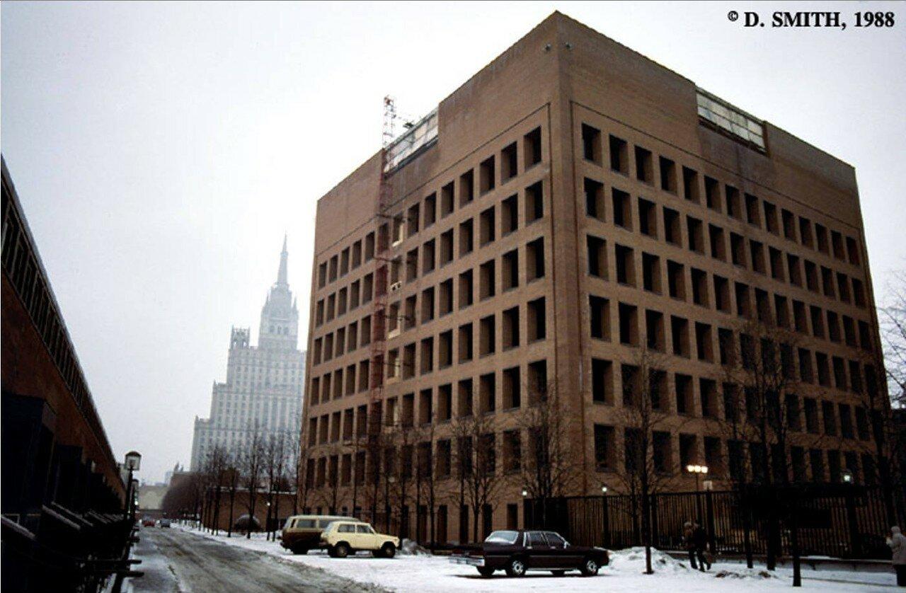 Здание Американского посольства