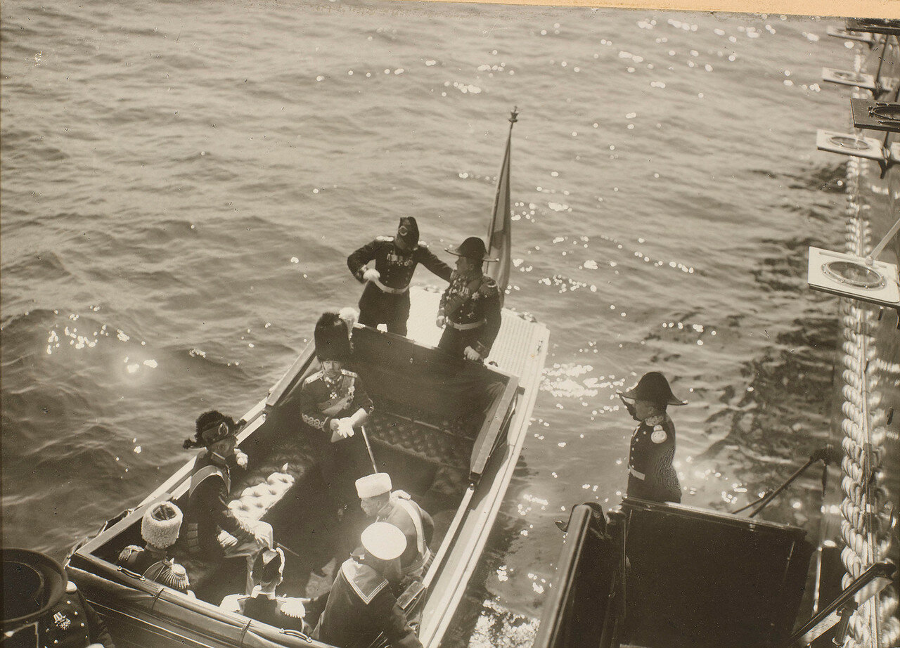 40. Ответный визит Николая II на королевскую яхту «Александра»