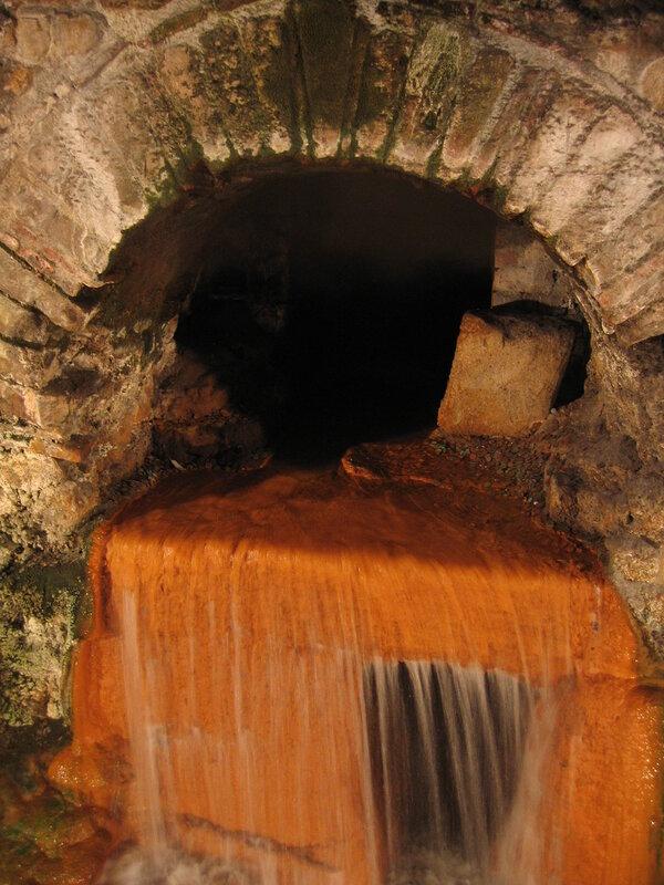 Горячий источник в Бате