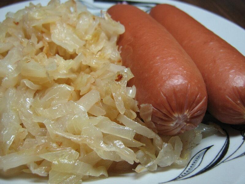 капуста с сосисками и с рисом
