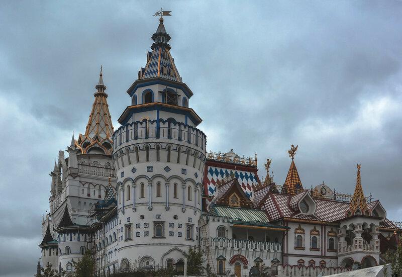 Угловая башня кремля в Измайлово.jpg
