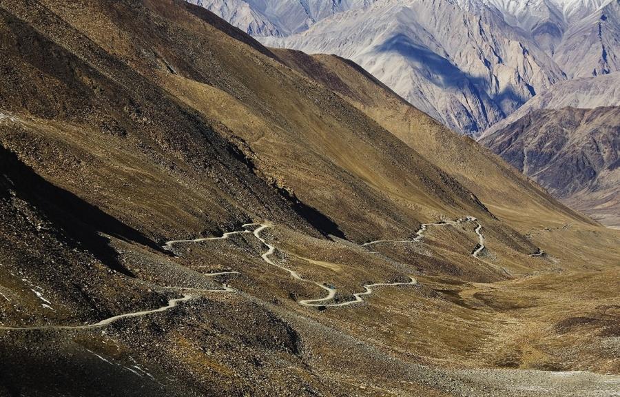mashable.com Поофициальным данным, эта дорога находится навысоте 5602 метра (практически высота Эл
