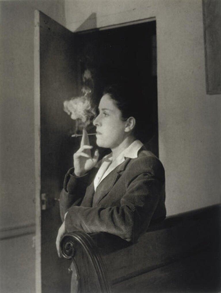 1944. Портрет Доры Маар