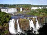 Подчиняясь законам природы, та устремляется вниз из-за чего то тут, то там образуются бурлящие водопады высотой.