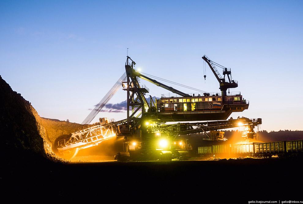 11. ЭРП-2500 способен перерабатывать свыше 3 000 тонн угля в час. За день он грузит больше, чем неко