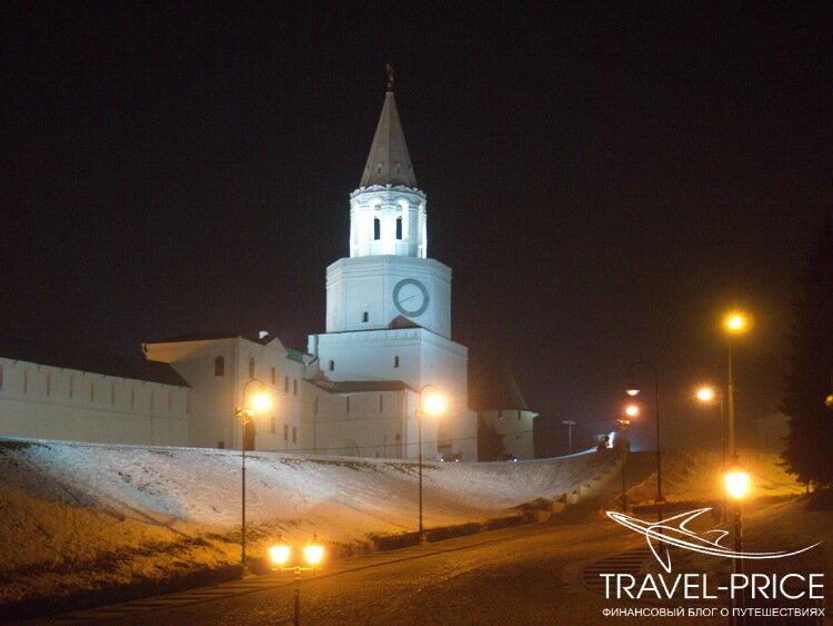 Казанский кремль в ночной подсветке