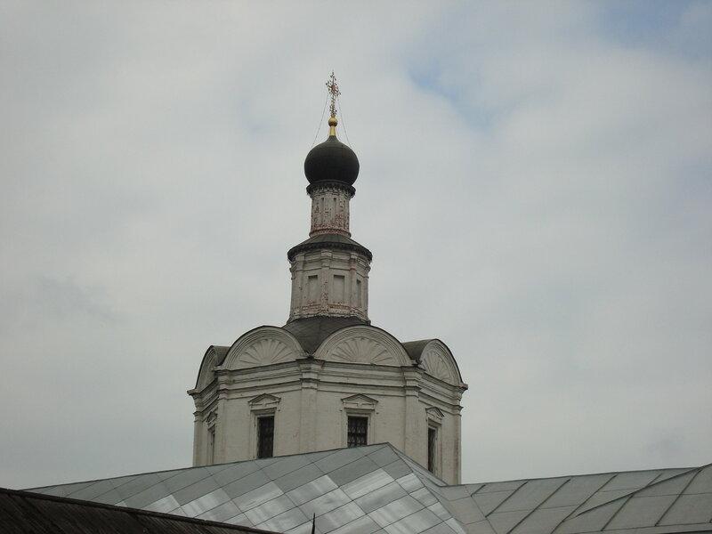 Москва. Спасо-Андроников монастырь. Церковь Михаила Архангела