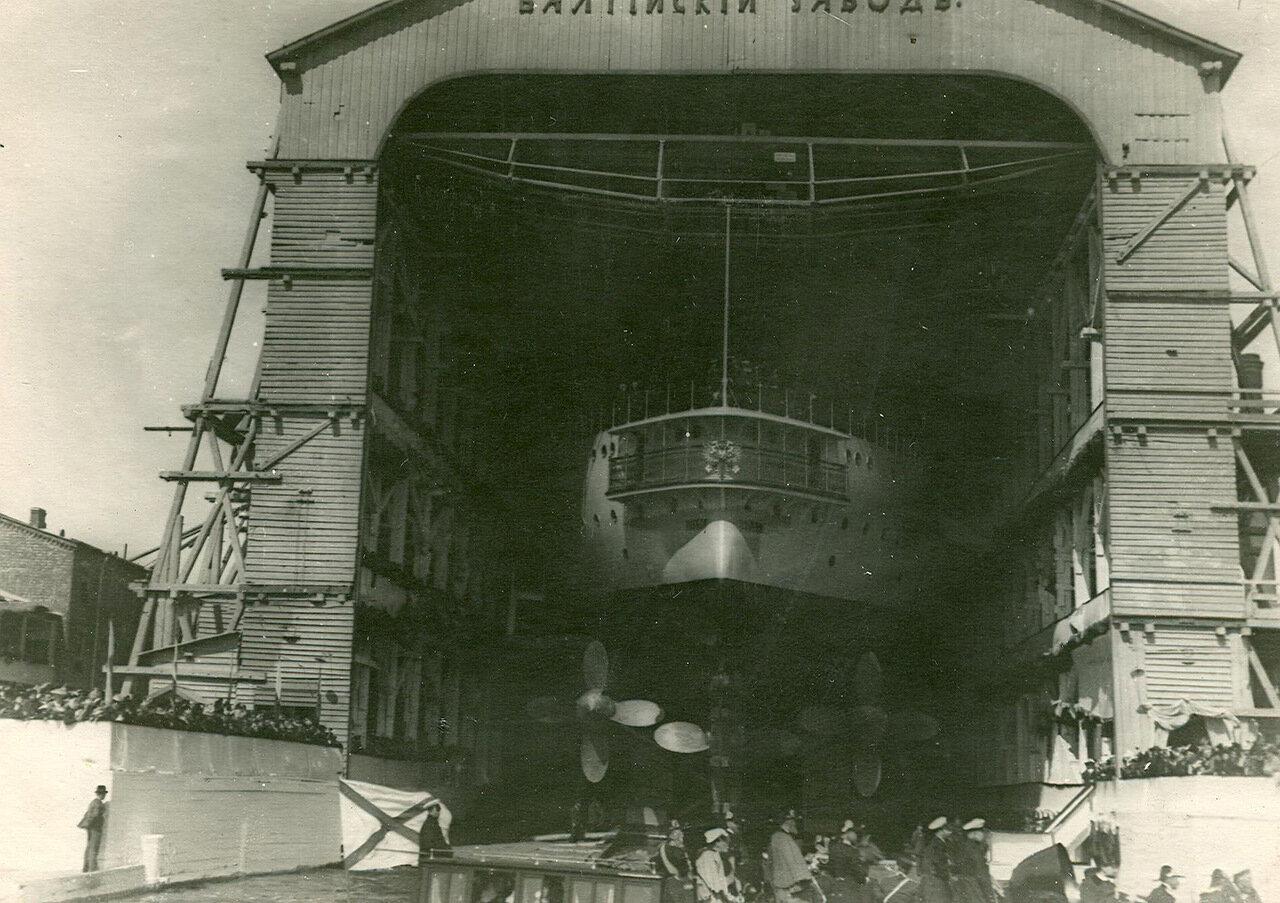 41. Подготовка броненосца «Победа» к спуску на воду