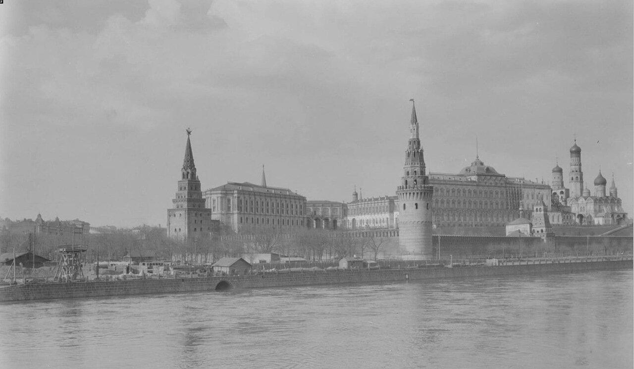 11.Вид на кремль с Софийской набережной