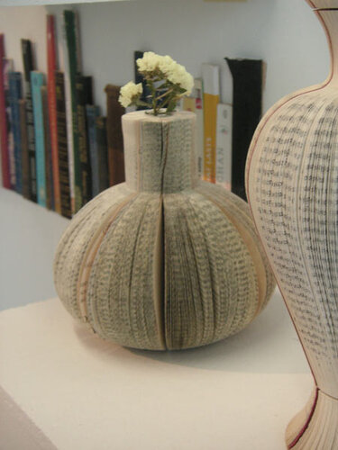 book-vases-by-laura-cahill-l