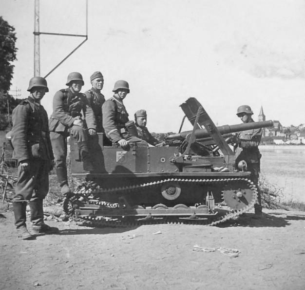 Бельгийская танкетка Carden-Loyd Mark VI с 47-мм орудием SA-FRC.